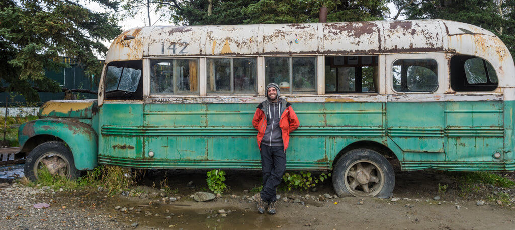 Magický autobus na Aljašce z knihy a filmu Návrat do divočiny.
