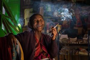 Upoutávka Barma II domorodé kmeny
