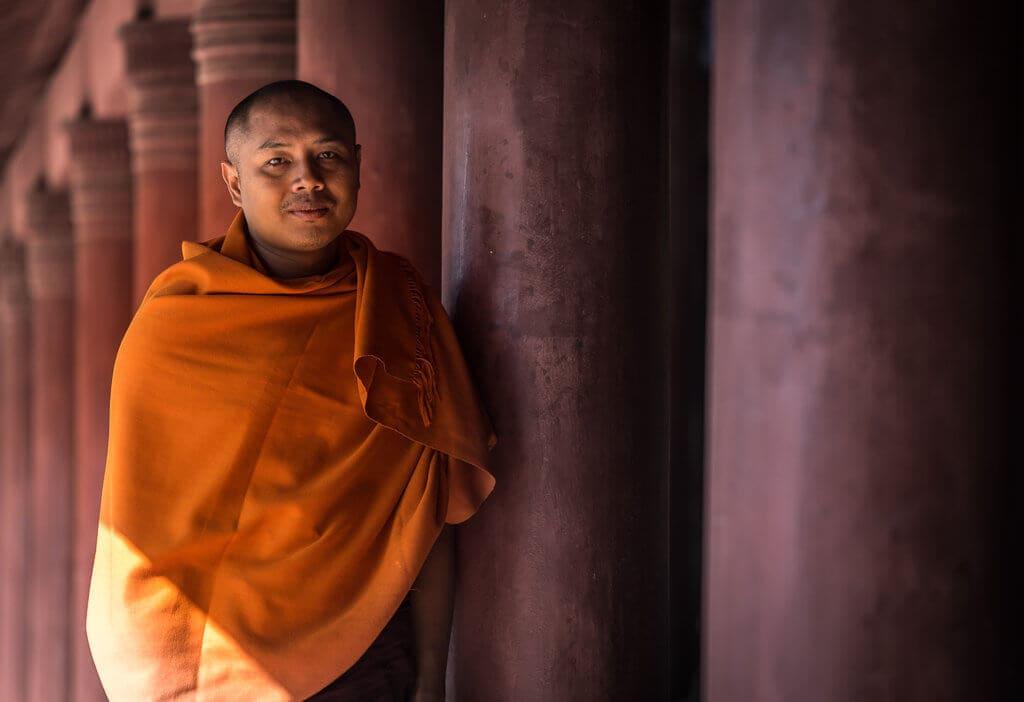 Mnich v Mandalayi