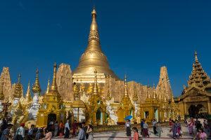 Shwedagon pagoda v Yangonu