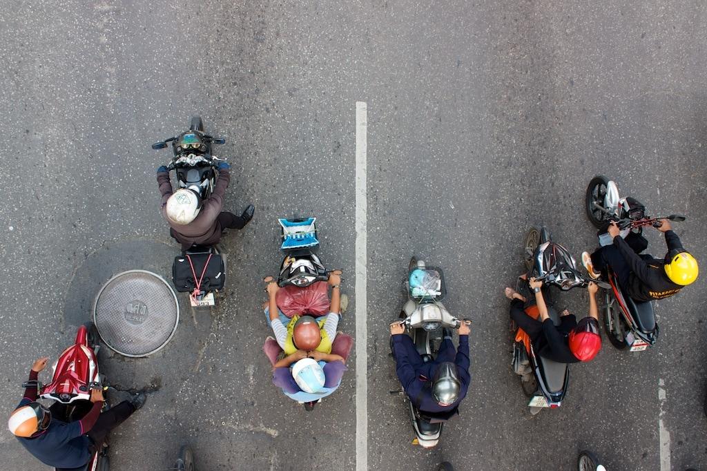 Bangkokští závodníci na křižovatce