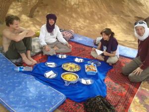 Oběd uprostřed pouště