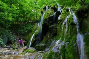 Vodopád Cascada Beusnitei v Muntii Locvei, Rumunsko