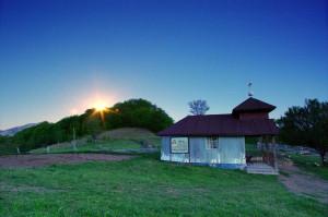Západ slunce v lokalitě Dobraia.