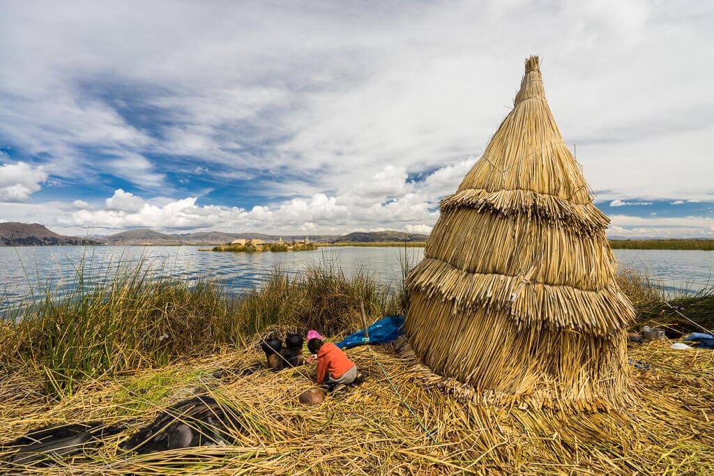 Chatka, ostrovy Uros, Titicaca, Peru
