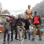 V Teheránu s vykloubeným kolenem