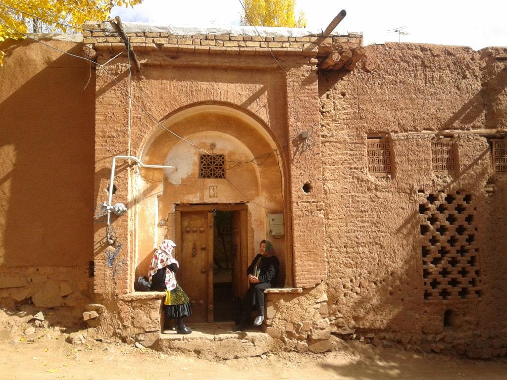 babicky v Abyaneh