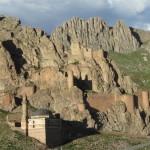 Krajina v okolí paláce Ishak Paša