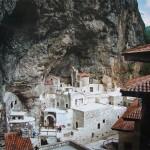 Uvnitř klášteru Sumela (1)