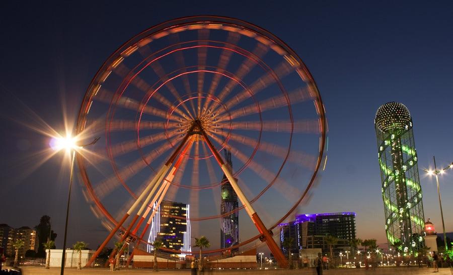 V Batumi mají i Ferrisovo kolo