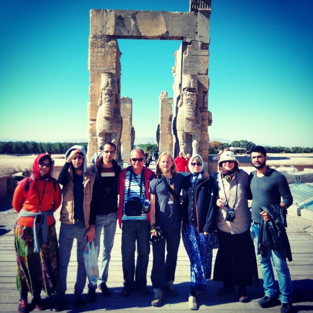 Naše skupinka a kamarádi ze Shirazu v Persepolisu