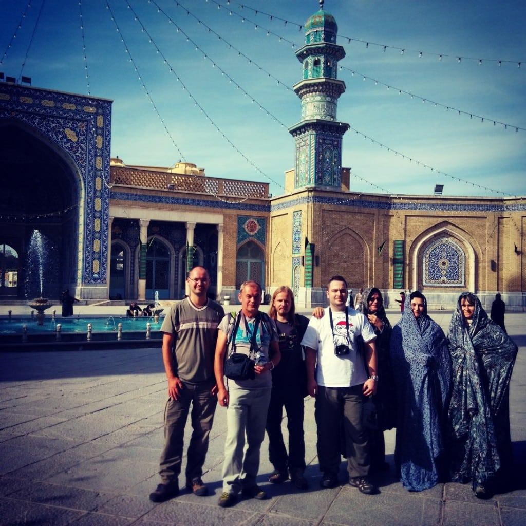 Naše skupinka v Qom - svatyně Fatima Masumeh