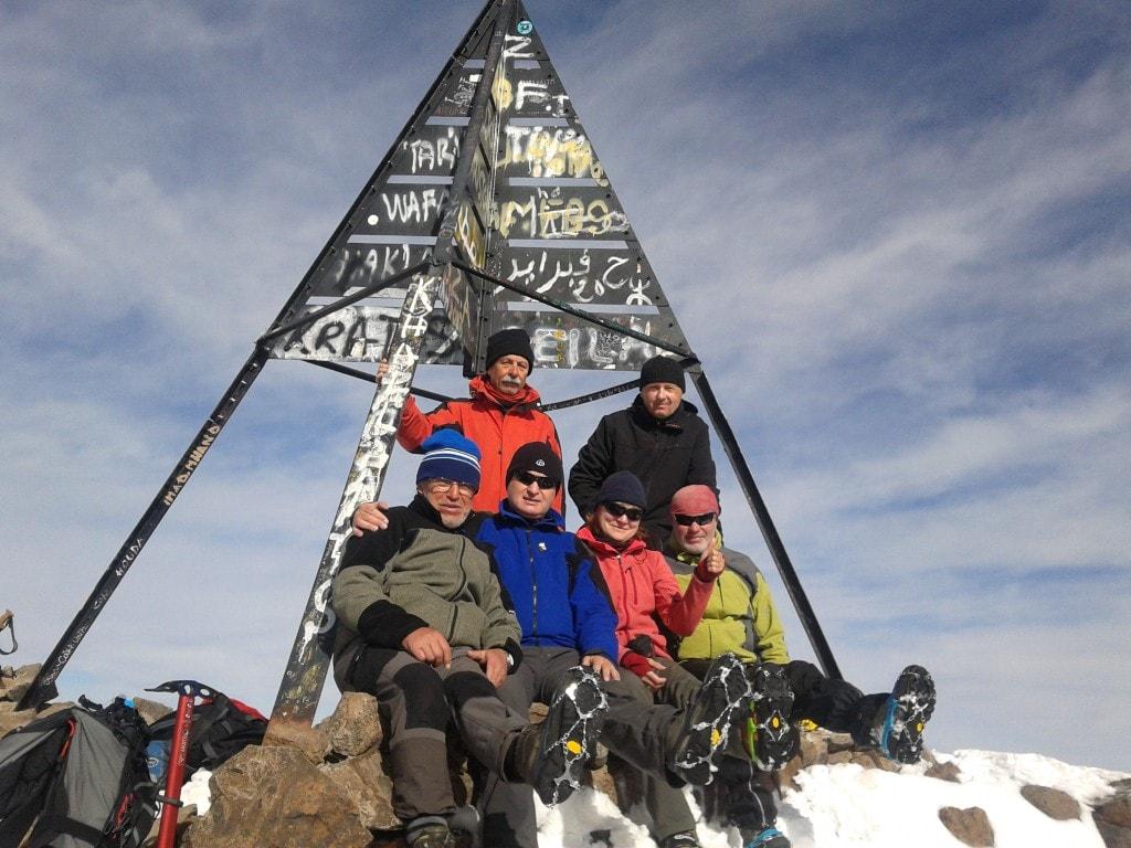 Parta třineckých horalů na čtyřtisícovém vrcholku Jebl Toubkal