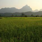 Nádherné scenérie rýžových polí a hor jsou v Laosu každodenní záležitostí