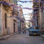Město se připravuje na fiestu(Cuba 2012 od Matias Garabedian / CC BY 2.0)