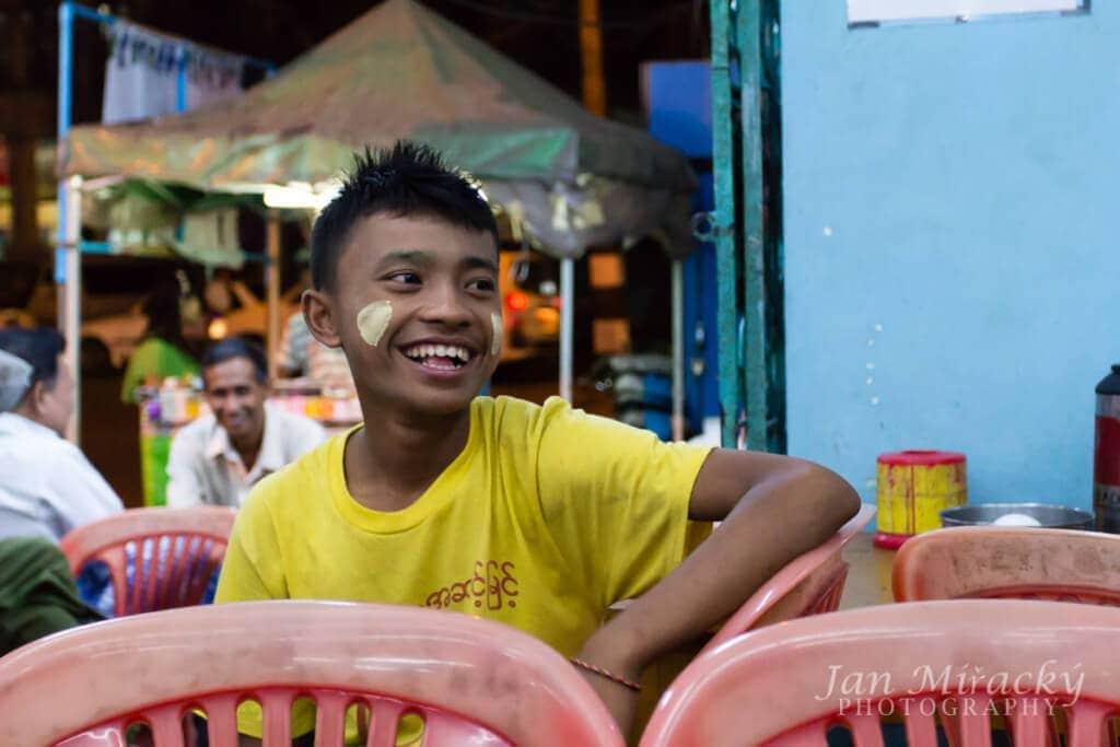 21,35 - Rangún, Barma