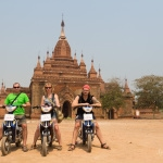 Projíždka na elektrokolech mezi chrámy Baganu