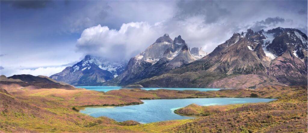 Na jezeře Pehoé v Torres del Paine se projedeme i katamaránem
