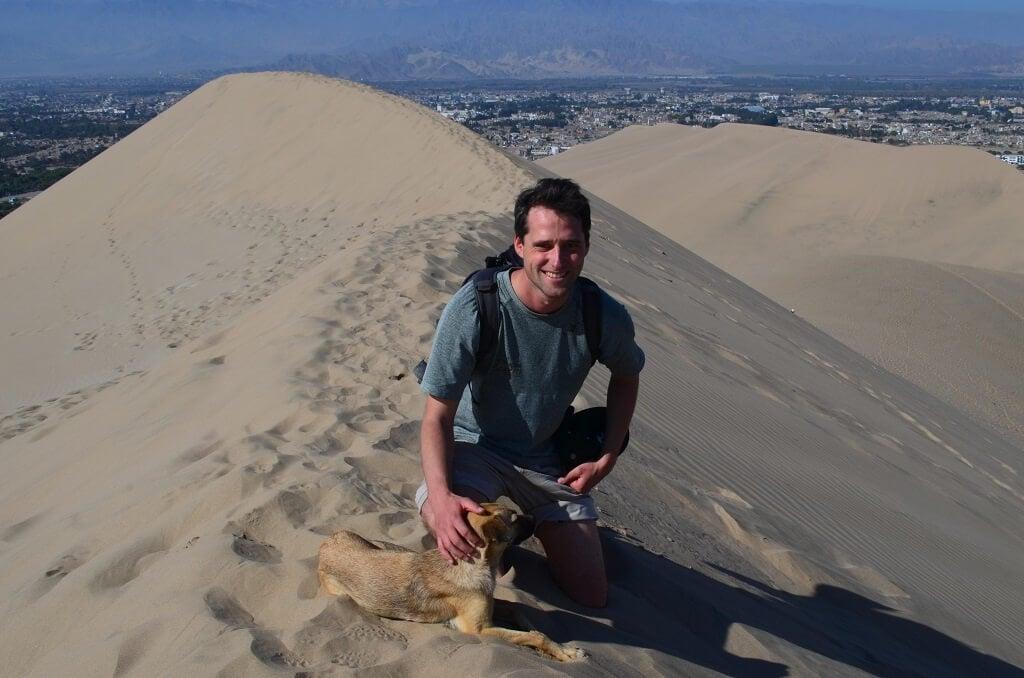 S nejlepším přítelem na dunách, okolo peruánské oázy Huacachina