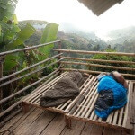 V bambusové chatrči během treku v horské vesnici - Chiang Rai - Expedice Thajsko 2016