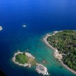 Ostrůvky v jezeře Malawi jsou místa s pěkným šnorchlováním (foto od Travelling Otter, CC BY 2.0)
