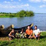 S dětmi z vesnice u jezera