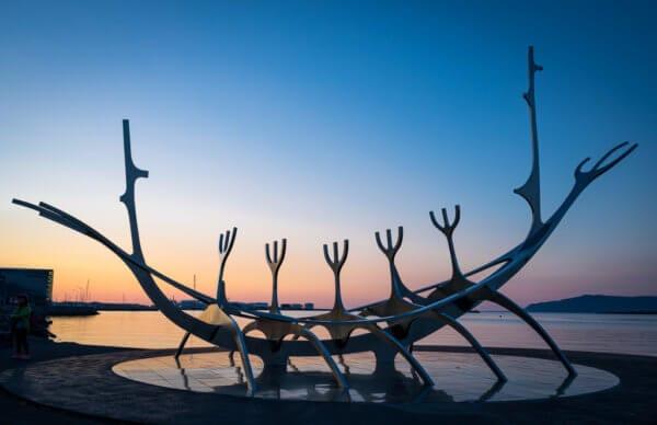 Maketa vikingské lodi Sólfar v Reykjavíku