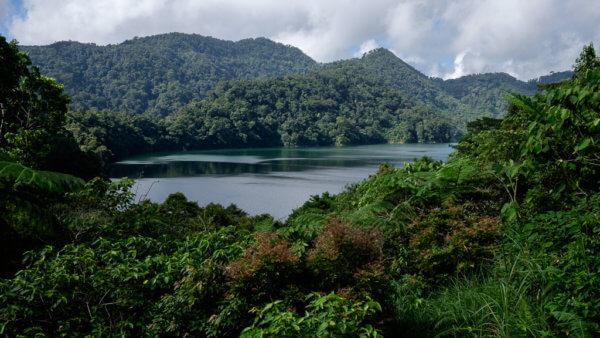 Národní park Twin lakes na ostrově Negros