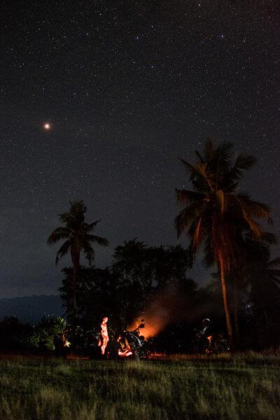 Je libo oheň na pláži nebo přímo u bungalovu za svitu souhvězdí Jižního kříže?