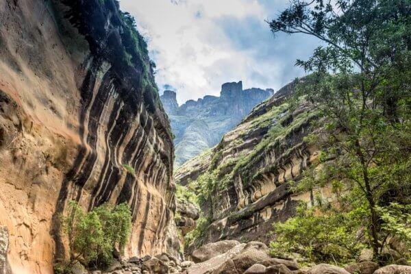 Soutěska v horách, Drakensberg