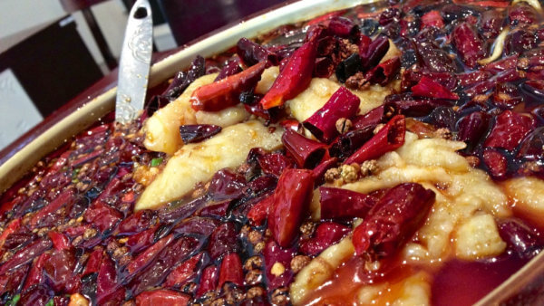 Typické ingredience pro sečuánskou kuchyni - chilli a sečuánský pepř (foto: Katherine Lim | CC 2.0)