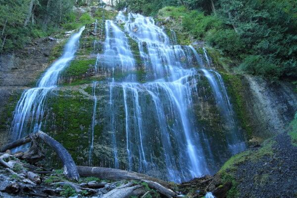 Vodopády Bridal Falls