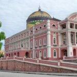 Majestátní opera z doučukové horečky v Manausu