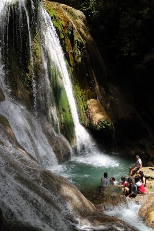 Vodopád Saluopa nabízí příjemné osvěžení