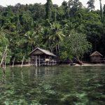 Zátoka Mayalibit - tři jednoduché bungalovy jen pro nás a široko daleko žádní turisté