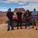 S mechaniky z kmene Navajo v Utahu – USA