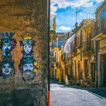 Typická ulice na Sicílii