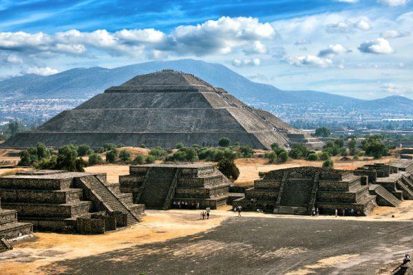 Teotihuacán a Pyramida Slunce - třetí největší pyramida na světě