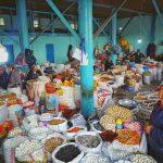 Zboží na středoasijských bazarech se prodává v současnosti stejně jako před stovkami let