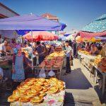 Tádžické trhy vždy oplývají nadbytkem potravin