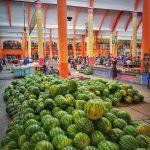 Na trzích ve Ferganské kotlině je hojnost ovoce i zeleniny