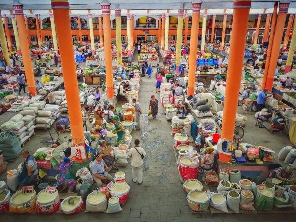 Trh ve městě Khujand patří k největším ve střední Asii